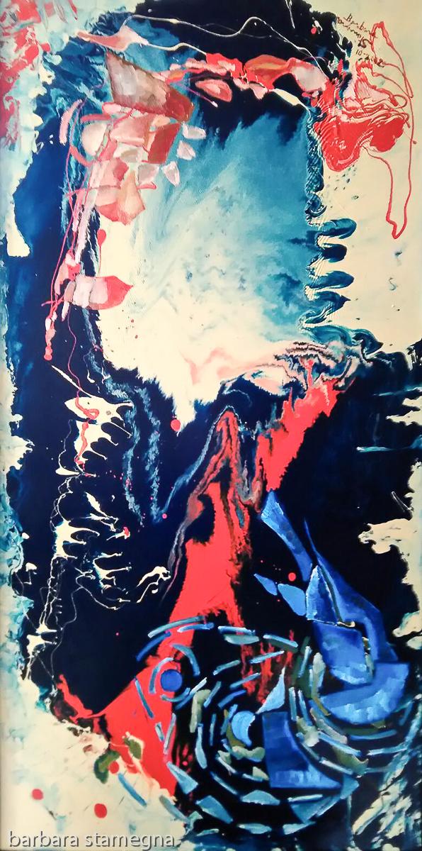 forme fluide opposte fluttuanti di colore blu,arancione,rosa con figure e linee su sfondo di smalto di colore blu scuro,bianco,bianco crema,azzurro e rosso
