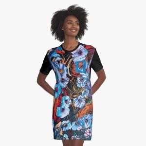 abito da donna a maniche corte con motivo floreale di forme di fiori di colore indaco su sfondo screziato