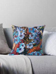 cuscino con motivo floreale di forme di fiori di colore indaco su sfondo screziato