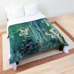 motivo astratto floreale su acqua in tonalità verde con forme floreali astratte su trapunta