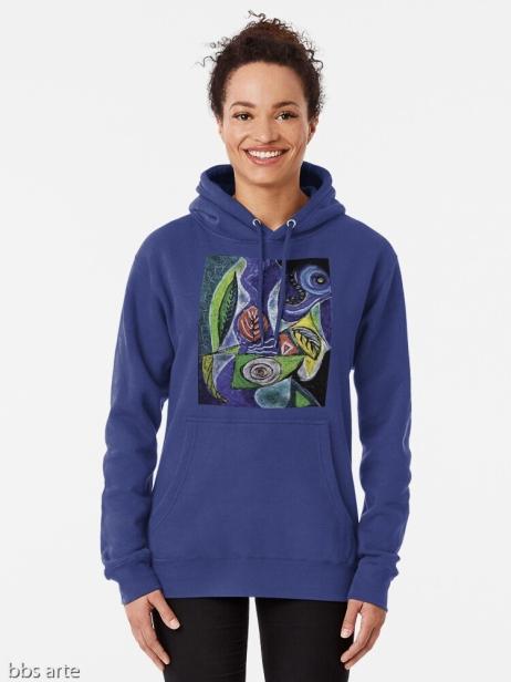 felpa azzurra da donna con cappuccio e tasca anteriore, dal design di foglie e forme astratte con toni di azzurro, verde, nero, giallo, bianco