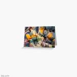 biglietto di auguri con design dinamico astratto in toni tenui con riccioli, forme geometriche, rotonde e trasparenze con trama screziata