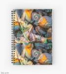 notebook con spirale con design dinamico astratto in toni tenui con riccioli, forme geometriche, rotonde e trasparenze con trama screziata