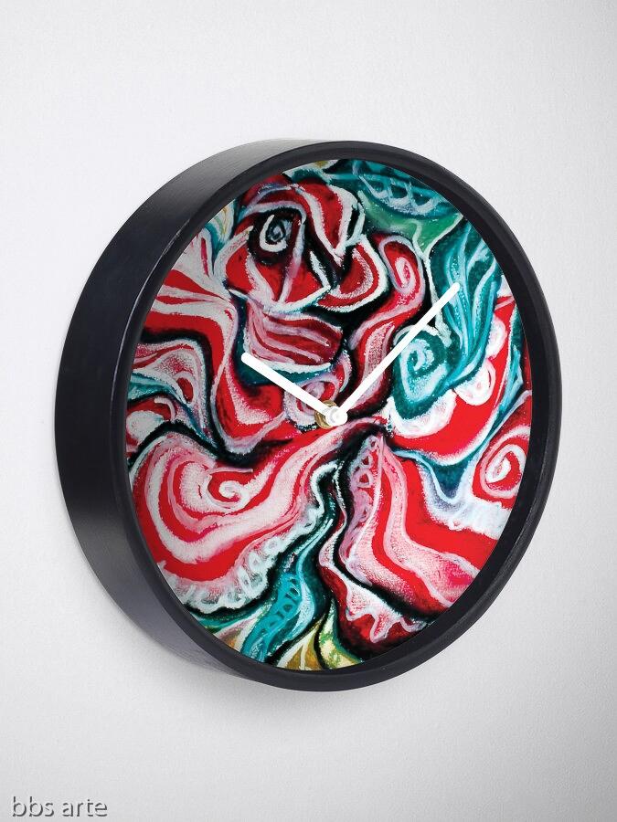 orologio da muro con design natalizio astratto in toni di rosso, verde, bianco, nero e giallo su sfondo bianco